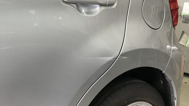 トヨタ パッソ 左リヤドア 左リヤフェンダー修理[見積書付き]