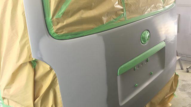 トヨタ ハイエース バックドア修理[見積書付き]
