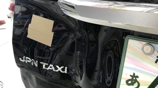 トヨタ ジャパンタクシー バックドア修理