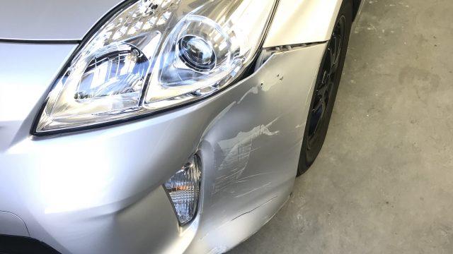 トヨタ プリウス フロントバンパー交換 フェンダー塗装 [見積書付き]