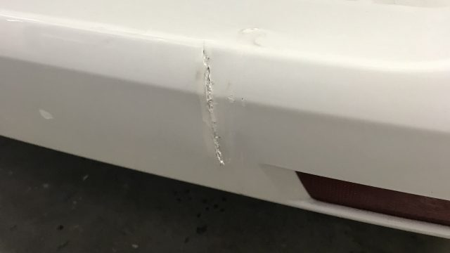 ベンツ V220d リヤバンパー修理 [見積書付き]