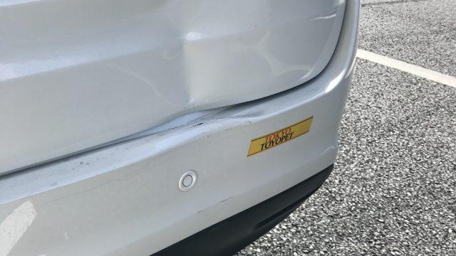 トヨタ ハリアー バックドア修理 バンパー交換