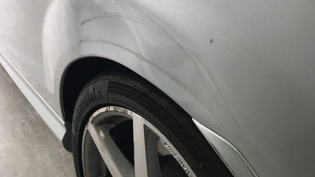 ベンツ E250クーペ リヤフェンダー修理