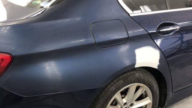 [見積書付き]  BMW 520i リヤフェンダー修理