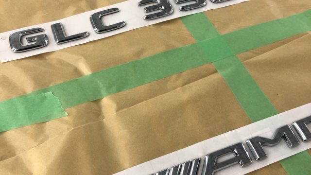ベンツ GLC エンブレム塗装 スポイラー塗装