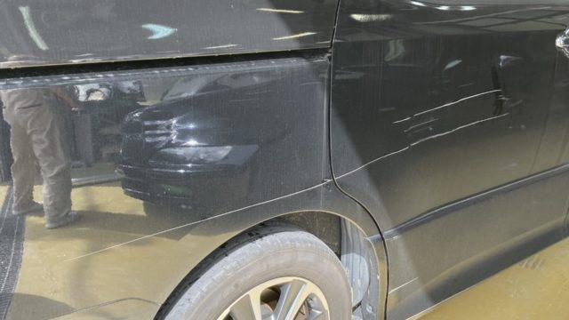 トヨタ ヴォクシー スライドドア リヤフェンダー修理