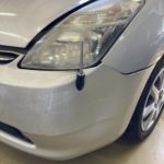トヨタ プリウス フロントバンパー交換 保険修理