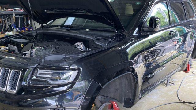 Jeep グランドチェロキー エンブレム、グリル、ホイール塗装
