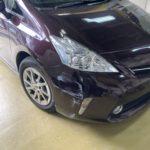 トヨタ プリウスα フロントバンパー修理