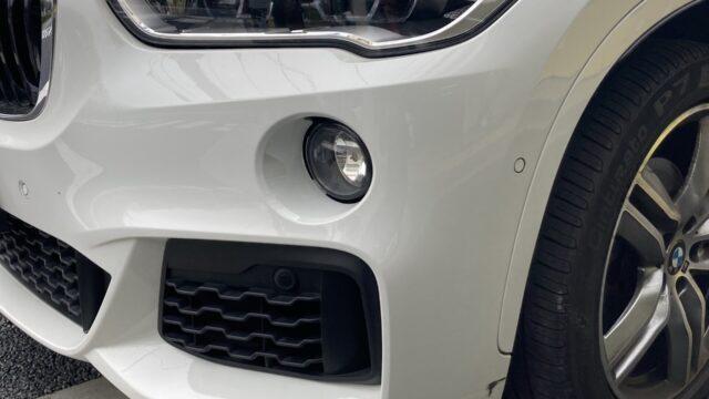 [見積り書付き]  BMW X1 フロントバンパー サイドスポイラー修理