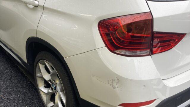 [見積り書付き]      BMW X1 リヤバンパー修理