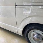 トヨタ ハイエース スライドドア リヤフェンダー修理